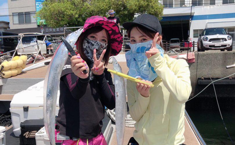 釣りデビューの女子と博多湾でタチウオ釣り?