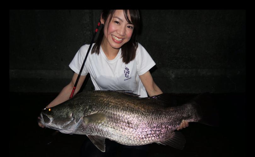 """感無量✨日本三大怪魚の1つ""""アカメ""""を釣りました!"""
