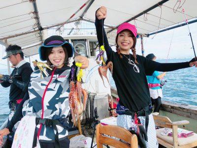 明石タコを釣る女性達