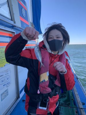 魚を釣る女性1