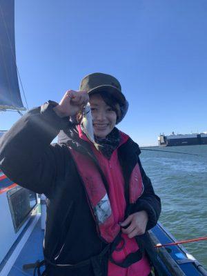 魚を釣る女性3